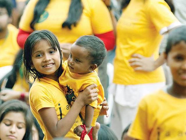 Üdvözlet, kedves bangladesi gyerekek! – Gyereknap a Bengáli-öböl partján
