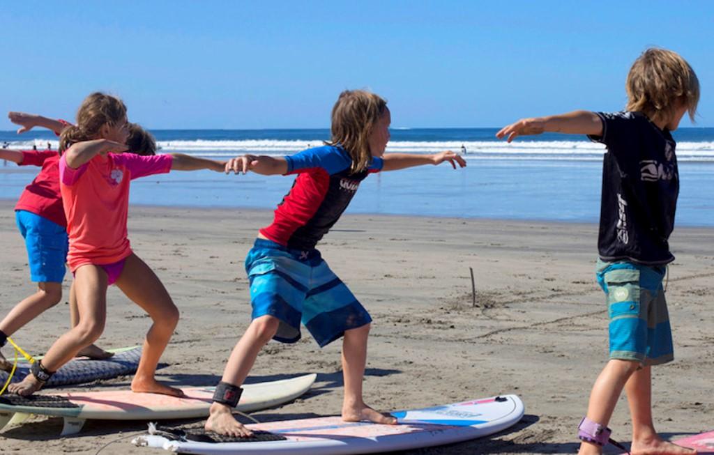 29_kids-surf-camp.jpg