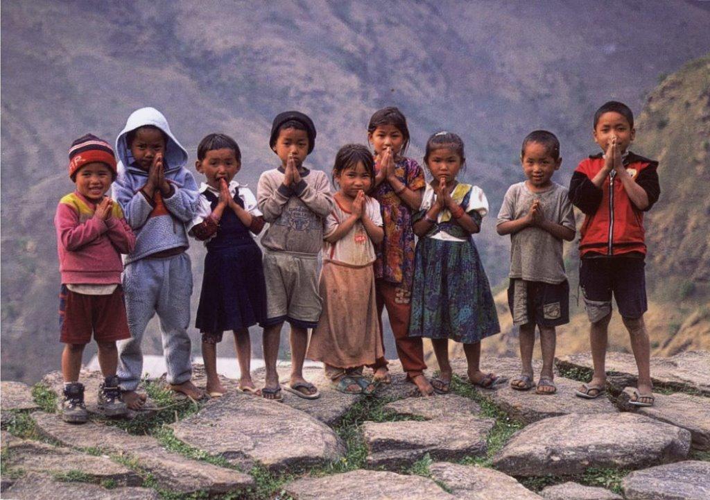 30_childern-nepal.jpg