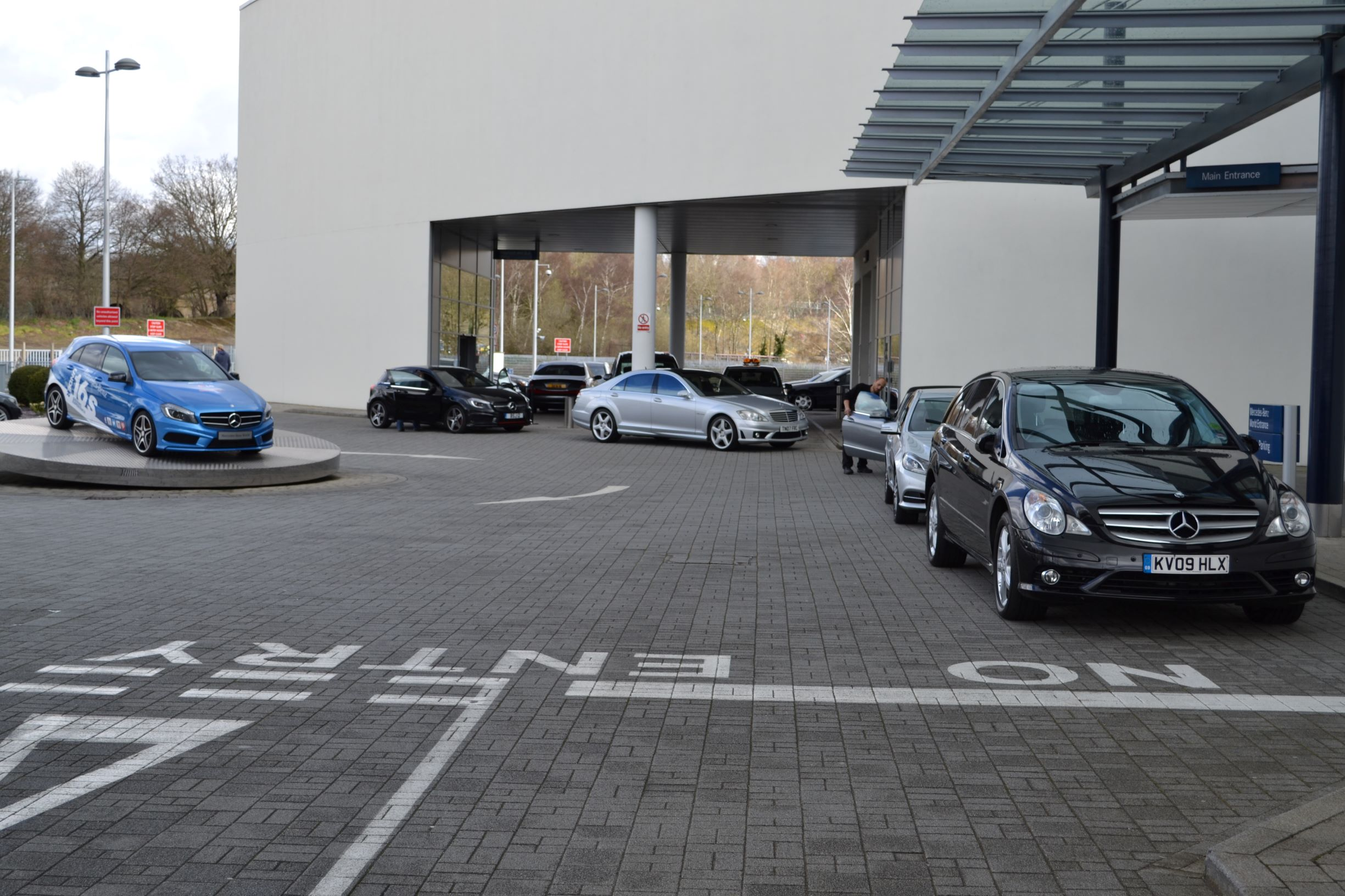 Welcome to Mercedes Benz World