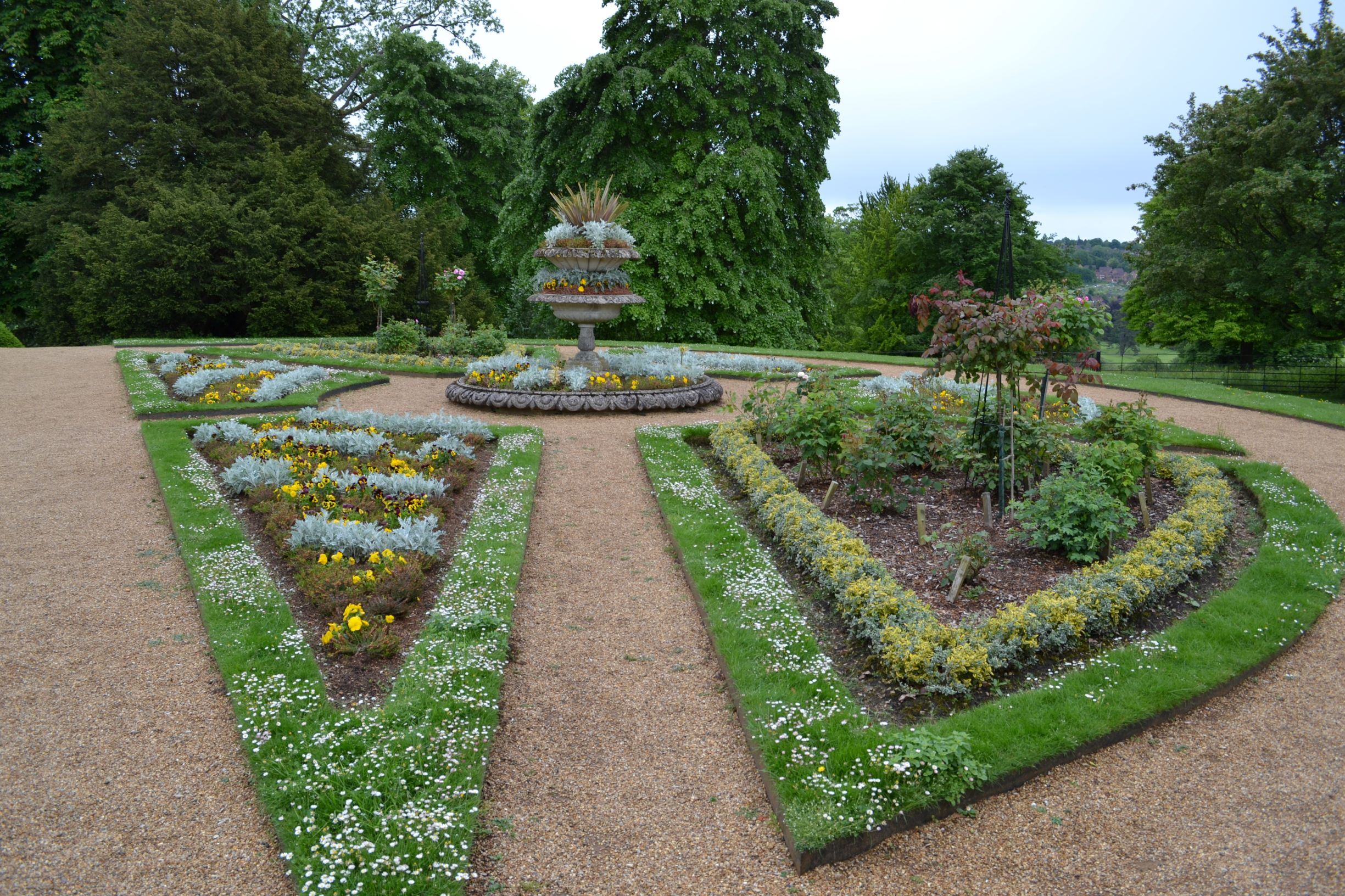 A formális kert minden vidéki kúria elmaradhatatlan része