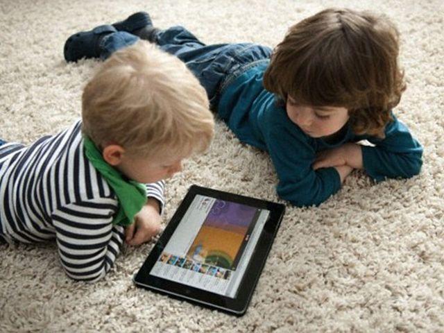 Biztosítsuk gyerekeink online és offline jóllétét!