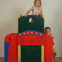 Játszóbútorok és játszógalériák