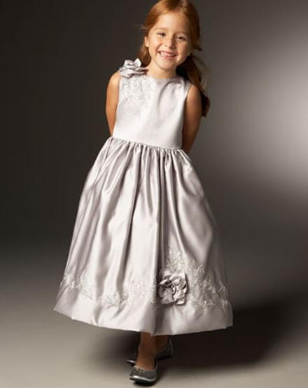 d73ebb6837 Nagyon is elegáns, lányos darabok ezek, amelyeket nyilván minden kislány  örömmel öltene magára. Sőt, ha én kislány lennék, bizony akármit megtennék  azért, ...