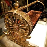 Luxusbölcső az 1800-as évekből