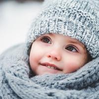 5 kiegészítő, ami melegen tartja a gyereket a legnagyobb hidegben is