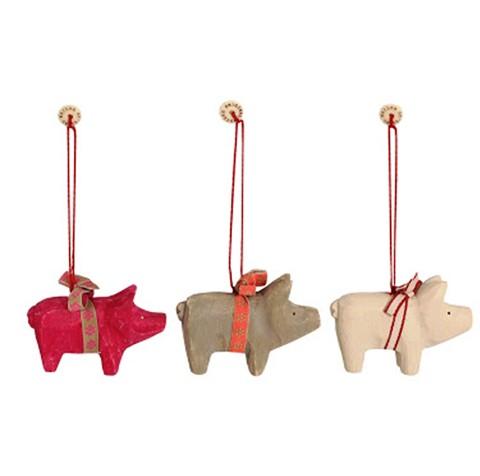 maileg_wooden_pig_ornament.jpg