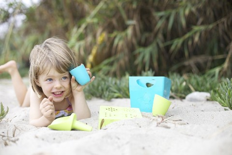 zoeb-beach-toys-august_11_web.jpg