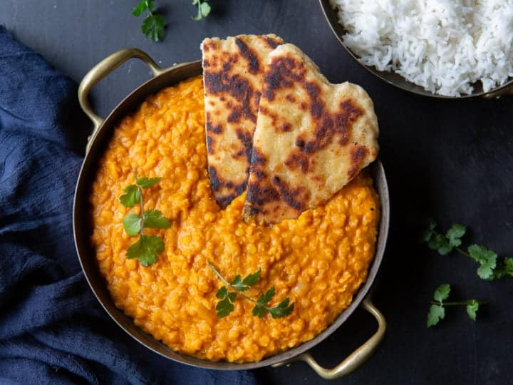creamy-red-lentil-curry-with-naan-720x540.jpg