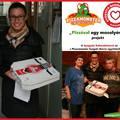 Ismét pizzát vitt rászorulóknak a Gyógyító Bohócdoktorok Alapítvány!