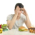 Megbosszulhatja magát a sok csípős étel, a dohányzás és az alkohol