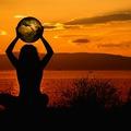 Körülötted forog a világ, ha akarod.