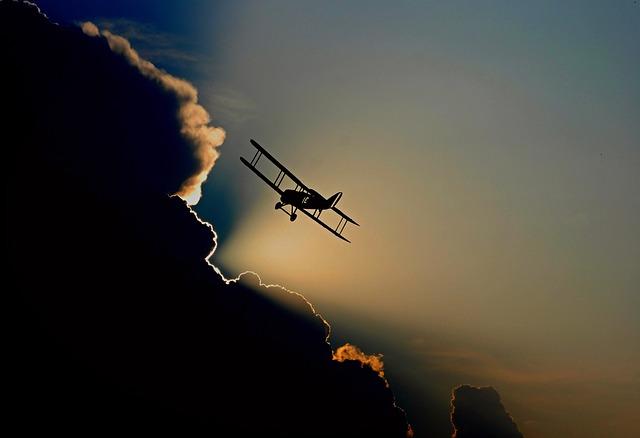 aircraft-1813731_640.jpg