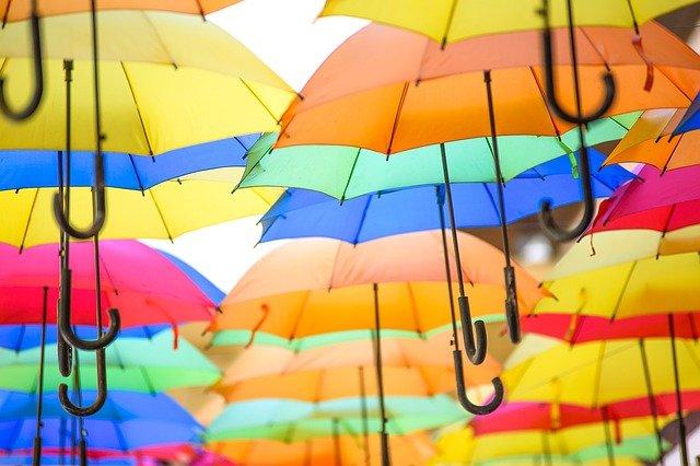 colorful-umbrellas-1492095_640.jpg