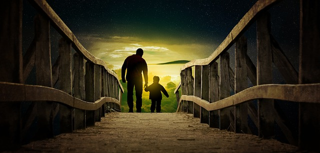 father-and-son-3295190_640.jpg