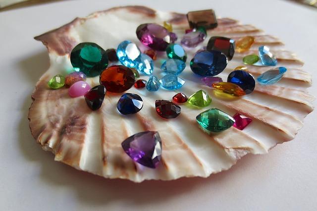 gemstones-1490209_640.jpg