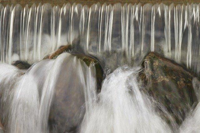 watercourse-5377994_640.jpg