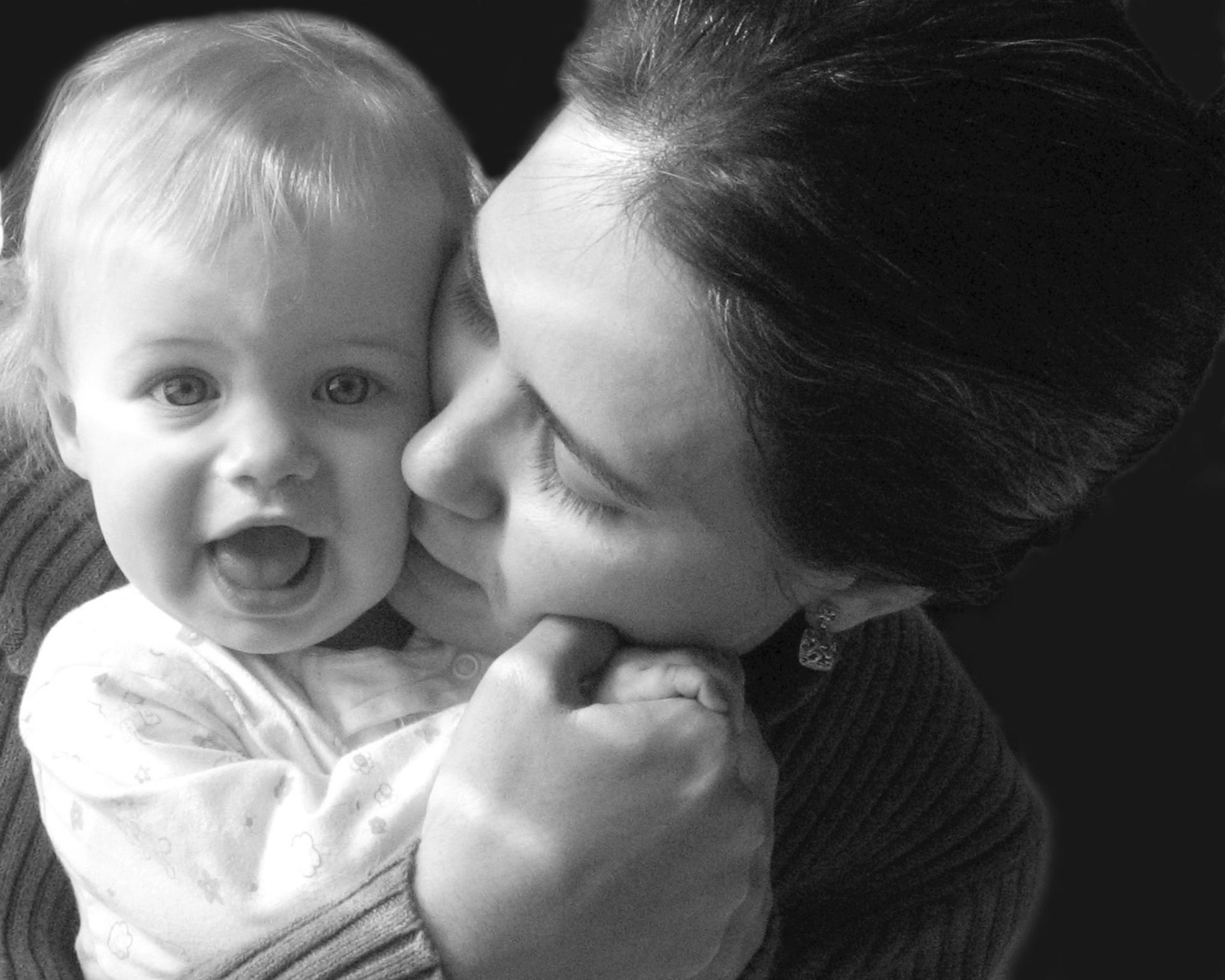 a-mother-s-joy-1436105-1920x1536_1.jpg