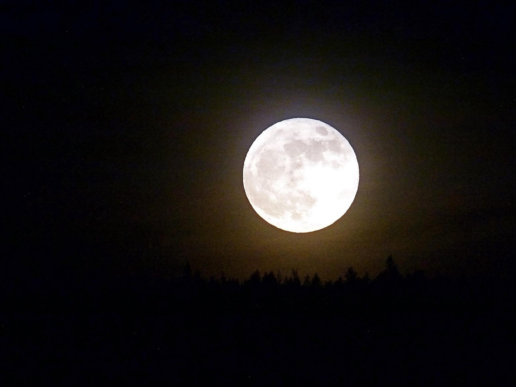 full_moon_planet.jpg