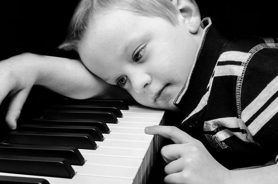 kid_piano.jpg