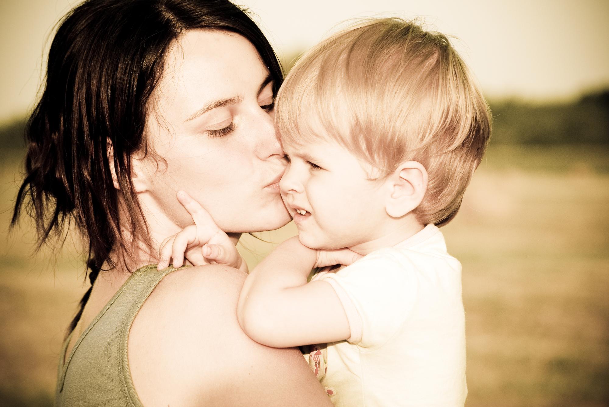 mom_child_2.jpg
