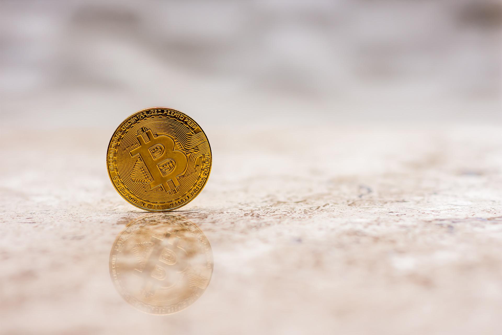 bitcoin-3319215_1920.jpg
