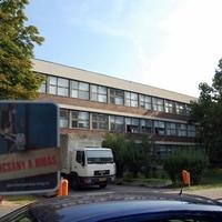 Az ország legrégebbi kereskedelmi iskolája