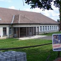 Bezárt iskola Mátraszőlősön