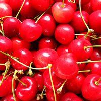 Egy tészta, két gyümölcs - avagy cseresznyés és epres gyors sütemény bármikorra!