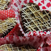Csokoládés aranyszívek marcipános szilvalekvárral