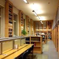 Látogatás a Sapientia könyvtárában