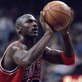 Amikor Michael Jordan ligaelit triplázó lett