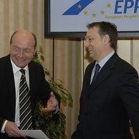 """Orbán és Băsescu. Diktátorok """"tündöklése"""" és az Európai Néppárt elnéző cinkossága"""
