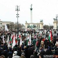 Békemenet reloaded: a Jobbik felkérése keringőre