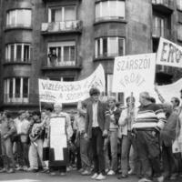 Érik a 30 éve elmaradt demokratikus fordulat