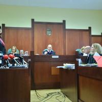 Dr. Kádár András perbeszédének harmadik része - A C. C. Soft vád