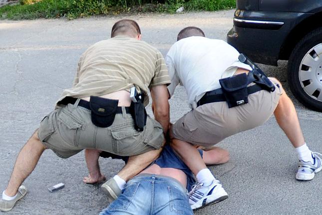 20120307-rendori-visszaeles-jogtalan-rendori-fellepes8.jpg