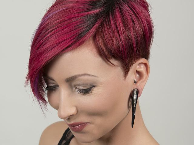 A szép haj csúnya ára?
