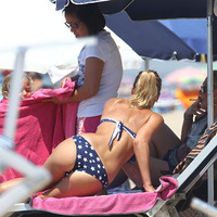 NapiMuffon - Totti neje bikiniben nézte a Vasast