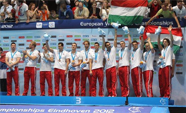vizilabda_eb2012_magyar_csapat_bronz00.jpg