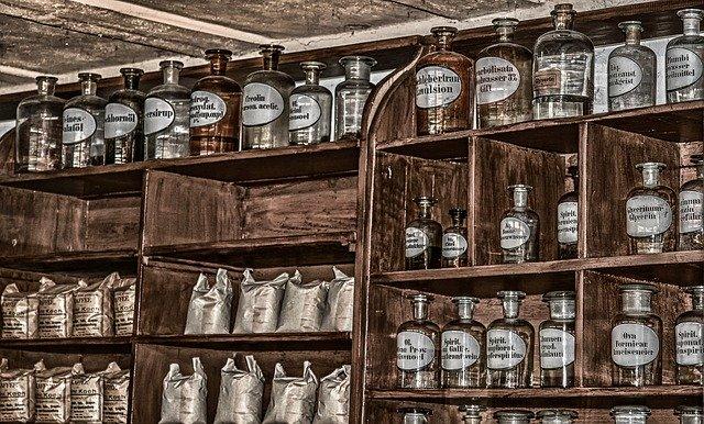 pharmacyanalogicuspixabay.jpg