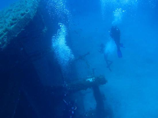 godive-mykonos-diving.jpg