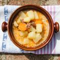 Újburgonyás - kolbászos leves sárgarépával