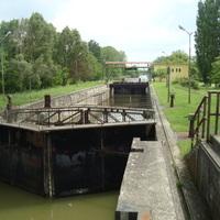 Az első víz alatti betonzsilip