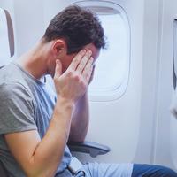 Miért dugul be a fülünk a repülőn és mit tehetünk ellene?