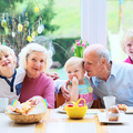 Hallókészülékkel az ünnepi asztalnál - Hogy kezeljük halláscsökkenéssel élő szeretteinket?