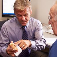 Ők felelnek a füleink egészségéért: az audiológus és a fül-orr-gégész