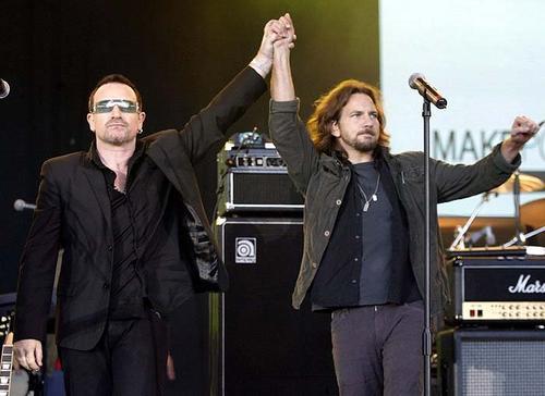 Eddie és Bono.jpg