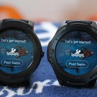 Új TicWatch óra érkezik, amivel már úszni is lehet