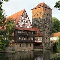 Nürnberg: faváz, homokkő és hidak